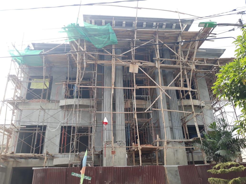 Pembangunan Rumah Klasik 3 Lantai di Rawamangun Jakarta Timur