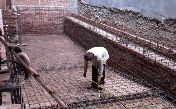 Pembuatan Kolam Renang di Jl. Mendut Menteng